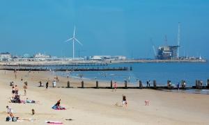 Lowestoft_beach